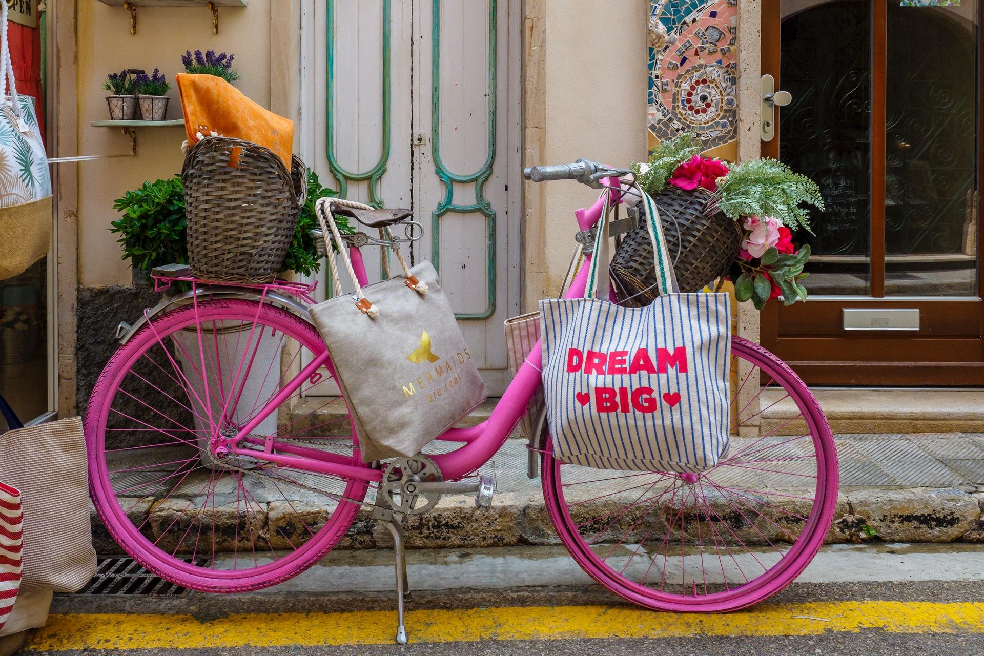 Bohème-Boho-style pink bike
