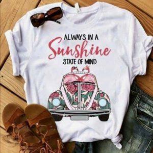 ein fröhliches Shirt in weiss mit Aufdruck Sunshine, kurzarm