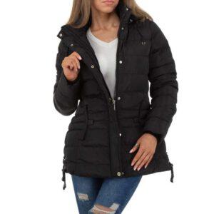 an dieser warmen schwarzen Winterjacke mit vorderem Reißverschluss ist eine Kapuze angebracht