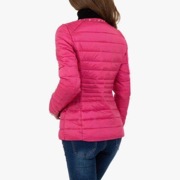 Rückenansicht, Steppjacke in pink mit Nieten und Strass